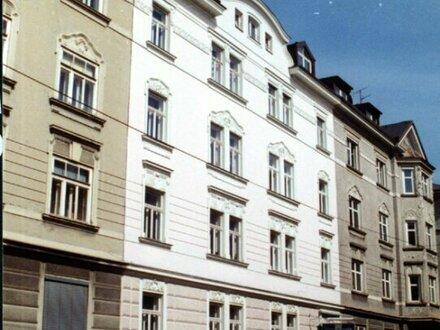 Stadtoase! Gediegene 3-Zimmer-Wohnung mit Balkon