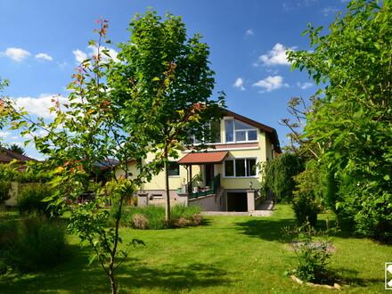 Perfektes 2-Familien-Haus in Stopfenreuth