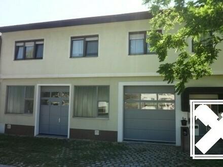 Gesamtes Obergeschoss Wohnung mit Einfahrt (2 Garagenplätze) beim Neusiedler See!