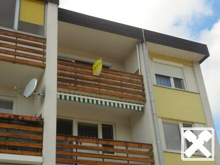 ANLAGE +++ 4- Zimmer Eigentumswohnung mit Loggia nahe dem Flughafen als Anlage zu kaufen !