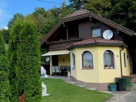 Wunderschönes ländliches Einfamilienhaus mit Pool, Sauna und Carport!