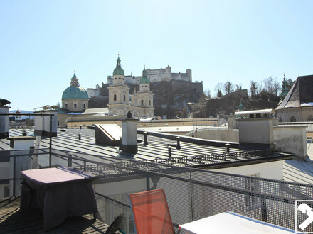 Altstadtflair: Großzügige 2,5-Zimmer Mietwohnung im Herzen Salzburgs