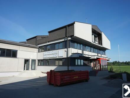 """Eugendorf: Büroräumlichkeiten """"Campus 22"""" TOP 6"""