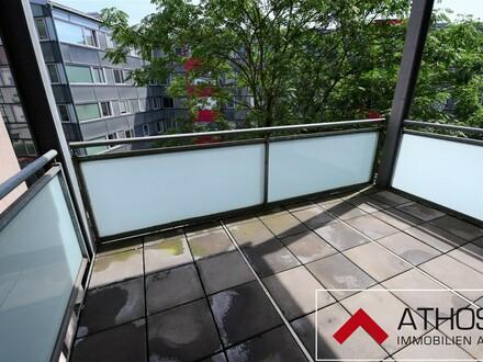Großzügige, helle 2-Zimmer-Wohnung mit Balkon nähe Bulgariplatz