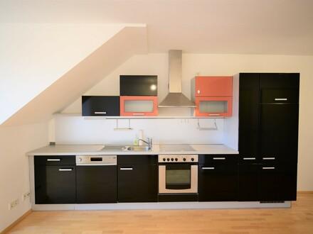 Top A12,Garnisonstr.21: Schöne, helle 2-Zimmer-Maisonettenwohnung mit Dachterrasse