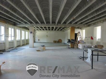"""100 - 200 oder 300 m² Bürofläche im 2. Obergeschoß mitten im Zentrum!"""