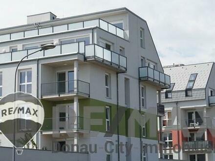 """""""Einzigartige Loft Wohnung mit durchgehenden Glasflächen sowie großer Terrasse mit wunderbarem Weitblick!"""""""