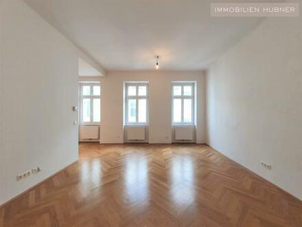Schicke 4-Zimmer Altbauwohnung mit Balkon - unbefristet