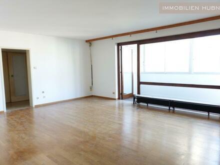 HOFLAGE! RUHIG!! Sanierungsbedürftige 3-Zi-Wohnung, 14m² Loggia in U-6 Nähe!!
