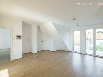 Sonnige Dachgeschosswohnung mit großem Balkon! ERSTBEZUG & PROVISIONSFREI!!!