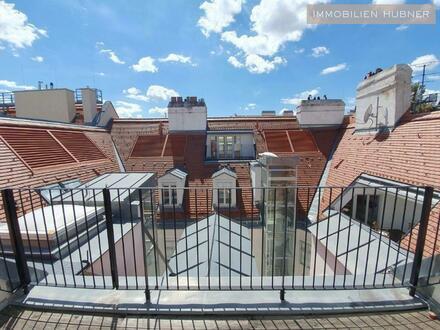 Exklusive DG-Wohnung in Traum-City-Lage (herrliches Barockpalais mit Terrasse)