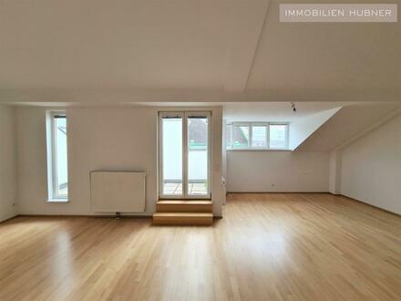 Klimatisierte DG-Wohnung mit 2 Badezimmer und 2 Terrassen - unbefristet