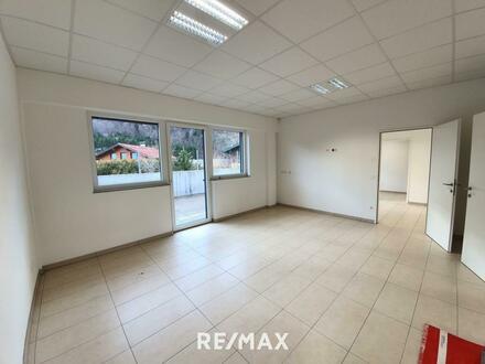 Modernes Büro/Praxis/Kanzlei direkt an der B159