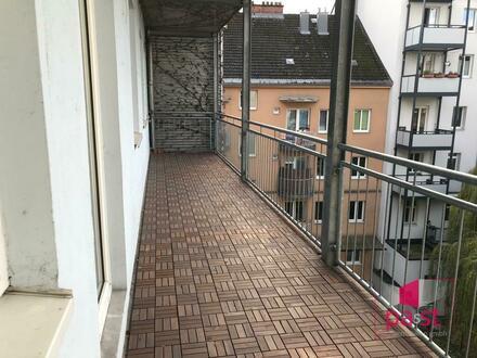 Großzügige urbane 4-Zimmer Wohnung 116 m2 + Balkon/Loggia 19 m2 + ab Juli mit Pool