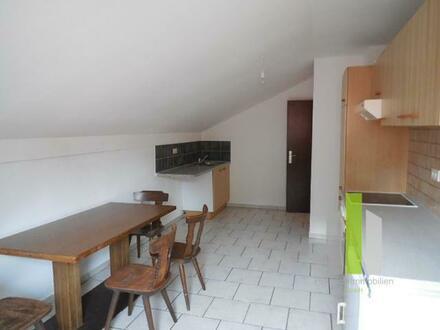 2,5 -3 Zimmer Wohnung
