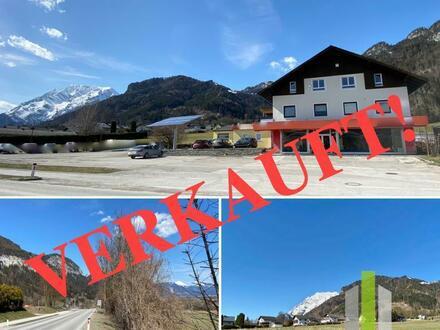 EIN PROJEKT FÜR BAUTRÄGER!!! Ein Haus mit Potenzial und Nebengebäuden