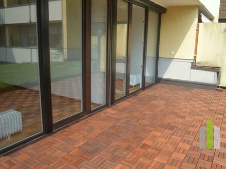 Aigen: Charmante 2 Zi-Wohnung mit großer Terrasse