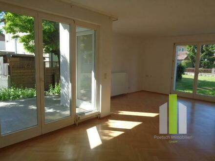Schönes 1-2 Familienhaus mit großem Garten, Doppelgarage und Sauna