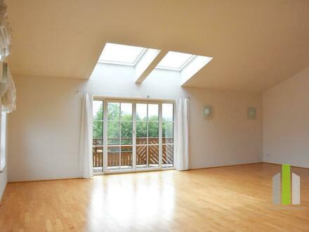 Helle-Dachgeschosswohnung