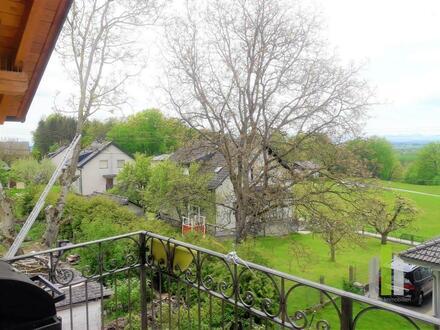 Wildshut: wunderschöne 3,5 Zimmerwohnung mit Balkon