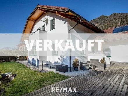 Modernes Einfamilienhaus in Ruhelage mit Doppelgarage, Pool und Extraausstattung!