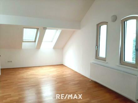 Besondere Mietwohnung im Dachgeschoss