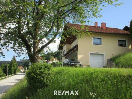 Mehrfamilienhaus mit Blick ins Donautal