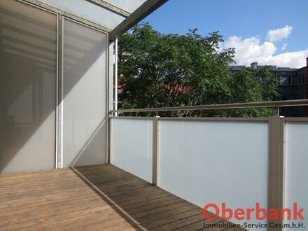 SINGLE-HIT mit großem Balkon!