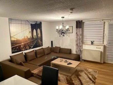 Wohnung in Einfamilienhaus in ruhigem, zentralem Wohngebiet | Apartment in detached house in quiet, central residential area