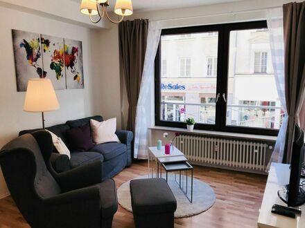 Modern und wunderschön leben am Pariser Platz | Awesome loft in quiet street but central location