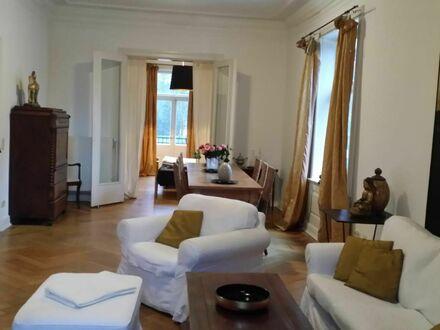 4 Zimmer Villenetage mit 2 Balkonen nähe Volkspark | 4 room apartment with 2 balconies close to the park