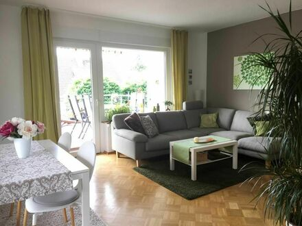 Voll ausgestattete, sonnige 2,5 -Zimmerwohnung, großer Balkon   Fully equipped, sunny 2.5 room apartment, large balcony