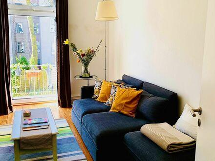 Schöne Zweizimmerwohnung in Hamburg Hoheluft-West)   Quiet, bright apartment in Eimsbüttel (Hamburg)