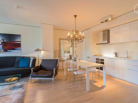 Luxuriös ausgestattete Wohnung mit Spreeblick und sonnigem Balkon, Spa & Swimming Pool im YOO Berlin | Luxurios Spree view…