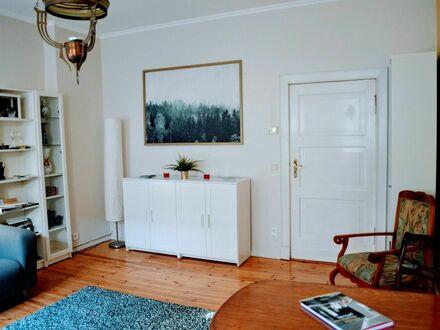 Stilvolle, 2 Zimmer moderne Wohnung mit Balkon & Jugendstilcharme in zentraler Lage (ICC/Messe Berlin/Kudammnähe)   Stylish,…