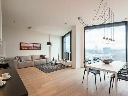 Wundervolle Wohnung mit heller Fensterfront, Concierge und Fitnessstudio in beliebtem Viertel   Spacious home with amazing…