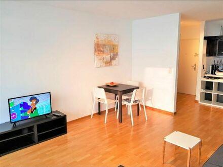 2-Zimmer-Apartment mit Balkon direkt im Zentrum am Rotebühlplatz an S-Bahn Stadtmitte | 2 room apartment with balcony directly…