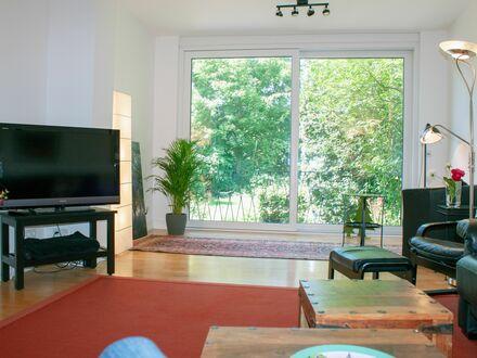Schöne, großzügige 3-Zimmer Wohnung in bester Lage | Lovely, spacious 3-room flat in the best location