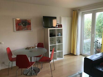 Moderne möblierte Wohnung mit Balkon, Nähe Venloerstr., Ehrenfeld   Modern furnished Apartment with a balcony, near Venloer…