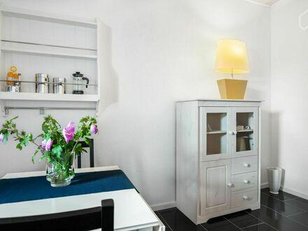 Fantastische, modische, Allergiker geeignete Wohnung auf Zeit, in Essen | Bright and quiet flat in Essen