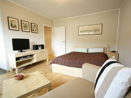 Ruhiges, komfortables Apartment in Essen, fußläufig zur Messe und Büropark Bredeney | Quiet, comfortable apartment, within…
