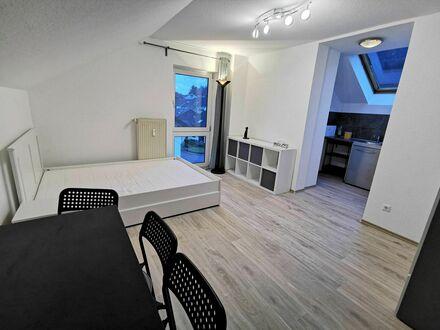 Vollständig renovierte und möblierte 1ZKB Wohnung mit EBK   Fully renovated and furnished apartment