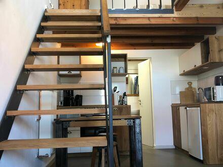 Aussergewöhnliches Maisonette-Studio in Holz und Stahl | Extraordinary maisontte-studio in wood and steel