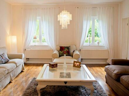 Alleehäuschen mit großen Garten auf Zeit | Nice flat in quiet street