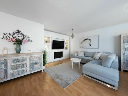 Wunderschöne 3-Zi. Whg mitten in gepflegter Grünanlage | Beautiful 2 bedroom flat - perfect for sharing or families