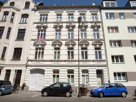 Top sanierte Wohlfühl-Altbau-Wohnung in Köln Ehrenfeld | Cosy newly renovated appartment in Cologne Ehrenfeld