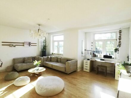3-5-Zimmer Wohnung im traumhaften Altbau zentral in Frankfurt am Main | Beautiful 1-3-bedroom-apartment located in the heart…