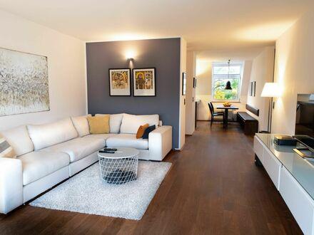 Stilvolle Dachgeschoss Wohnung mit schöner Aussicht   Spacious and stylish attic apartment