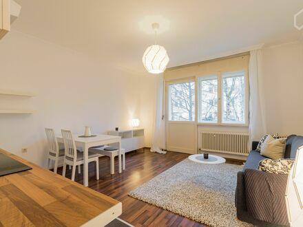 Moderne und helle 3-Zimmer Wohnung in Neukölln | Modern and bright 3-room apartment in Neukölln