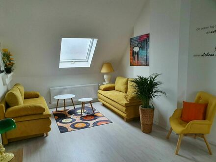 Top möblierte Penthouse Wohnung mit großer Dachterrasse in Kerpen (nahe Köln)   Top furnished penthouse apartment with…